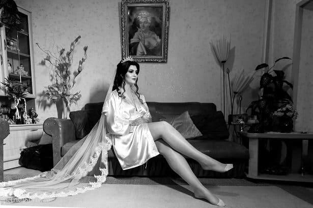 Fotograf nunta Petrica Sima - Mireasa Alb Negru