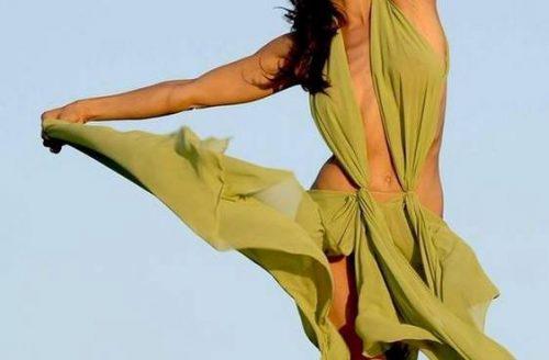 Dansatoare din Buric -