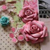 Flori in piept invitati